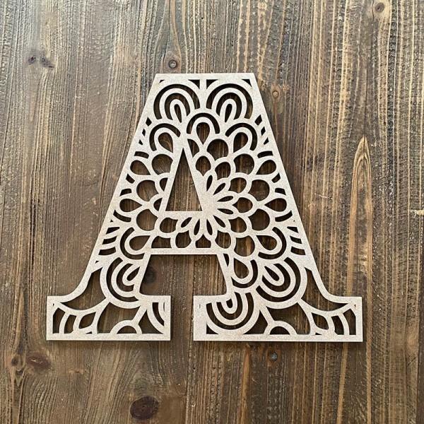 Letra mandala de madera DM